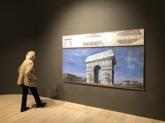 Christo & Jeanne Claude - Arc du Triopmhe Wrapped