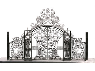 Gate Scale Model # 4 (alu) by Delvoye Wim