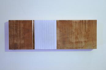 Verticaal versneden veilingcatalogus ingewerkt in plank, 2011 - H.P.1.12.11 by Denmark