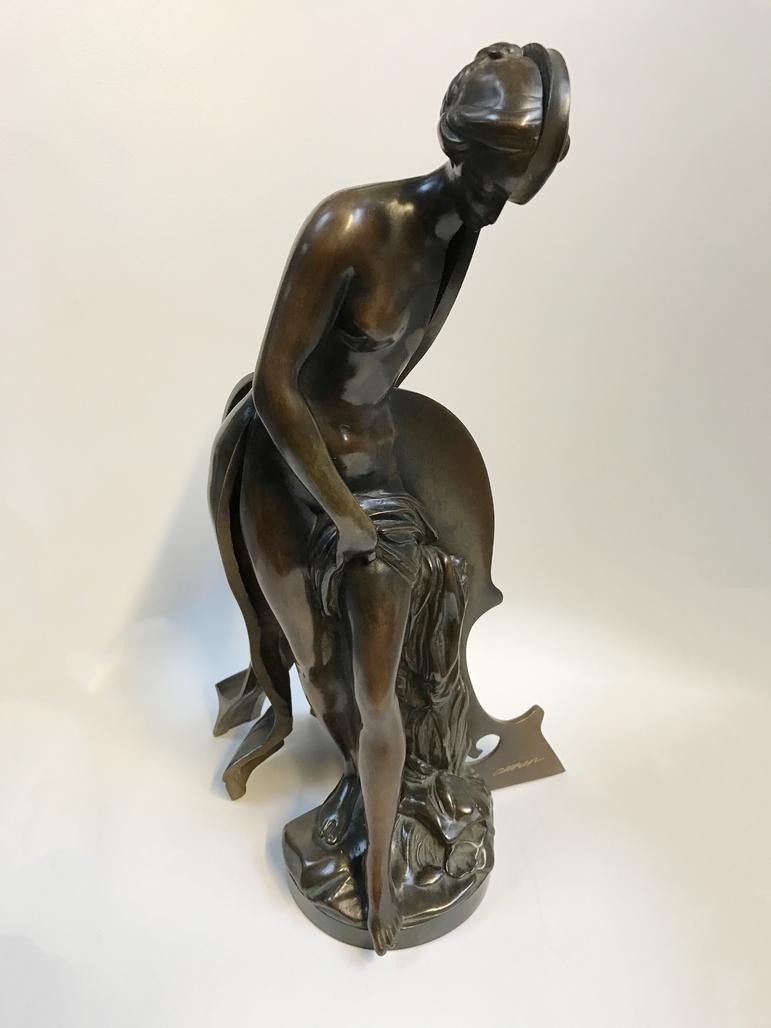 Venus violon by Arman